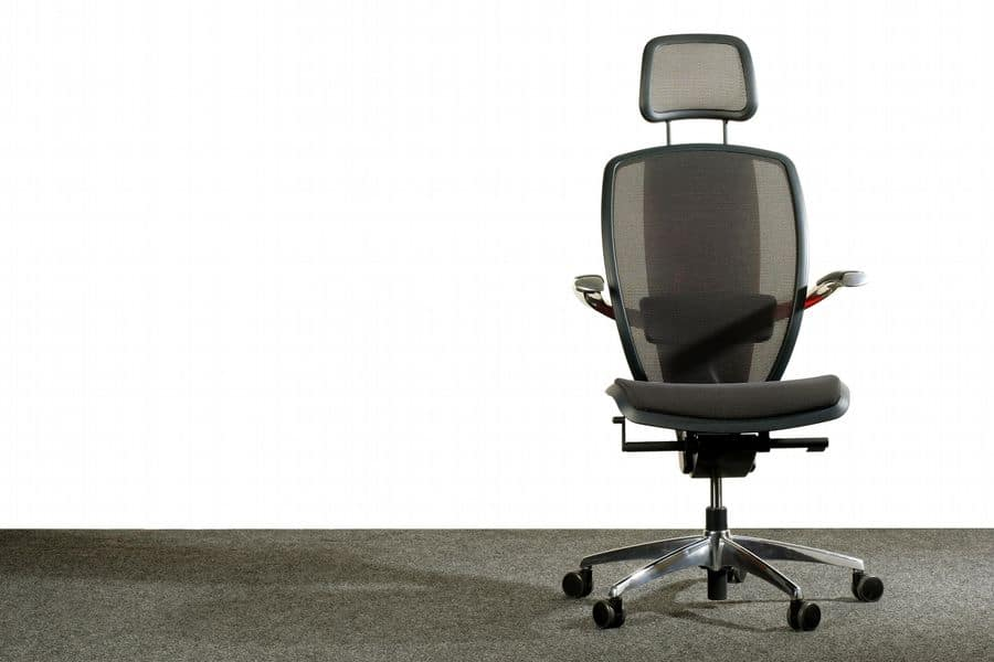 Choosing the right office chair with ergonomic adjustment and neck support